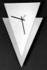 Dreieck-Wanduhr
